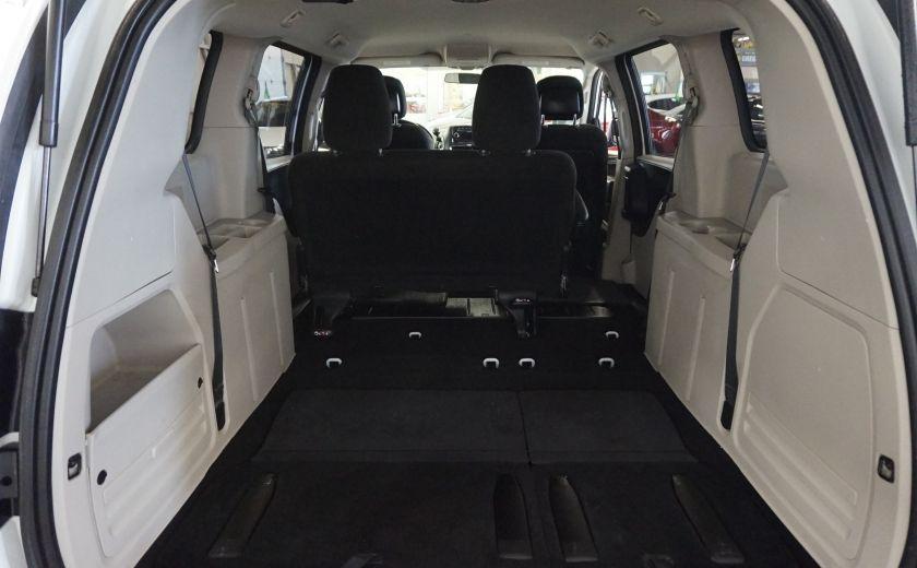 2015 Dodge GR Caravan SE #23