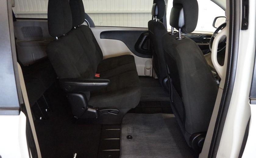 2015 Dodge GR Caravan SE #25
