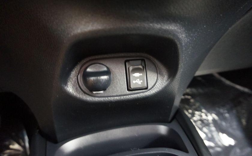 2015 Toyota Yaris LE #17