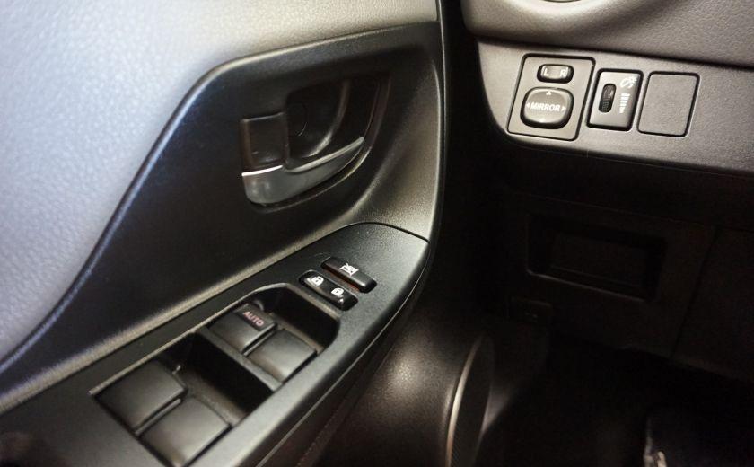 2015 Toyota Yaris LE #18