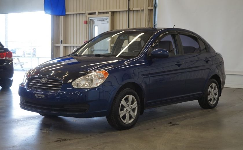 2011 Hyundai Accent GL #2