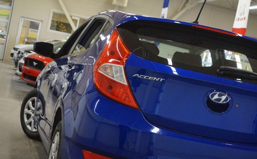 2013 Hyundai Accent L #27