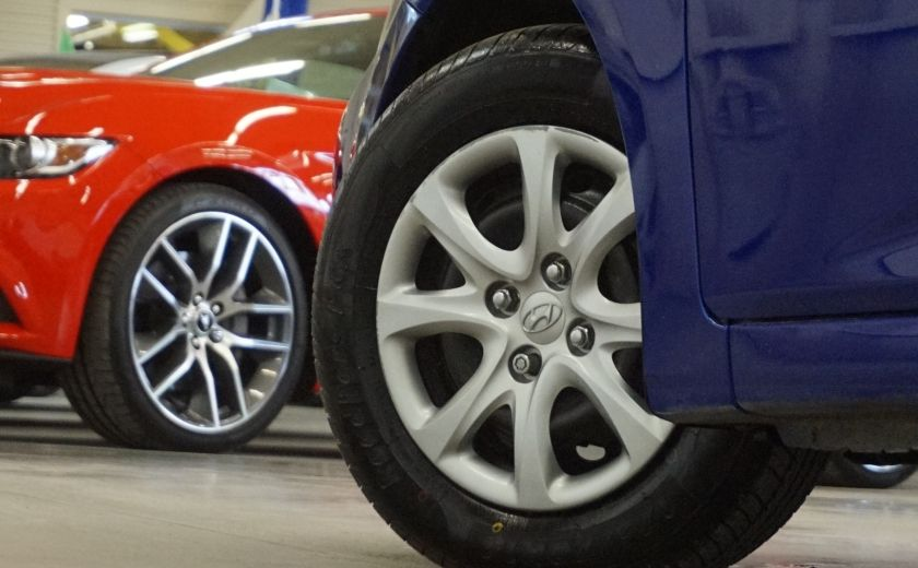 2013 Hyundai Accent L #28