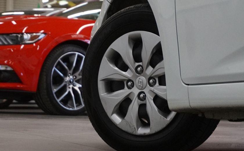 2015 Hyundai Accent GL #30