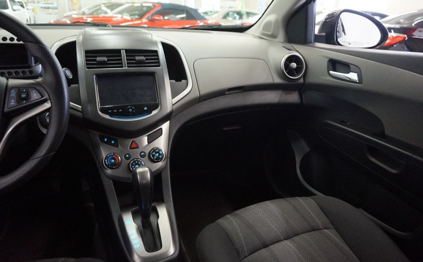 2015 Chevrolet Sonic LT #9