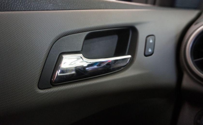2015 Chevrolet Sonic LT #18