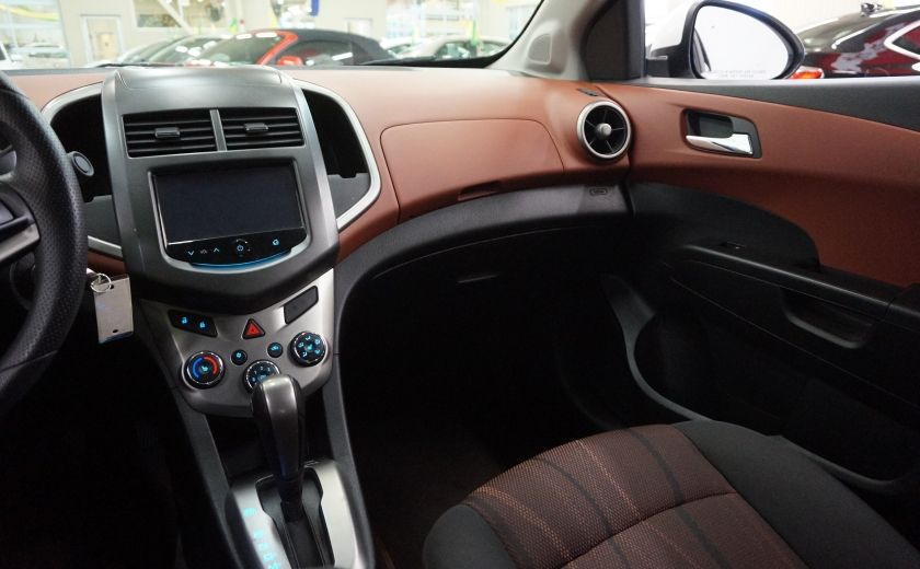 2015 Chevrolet Sonic LT (caméra de recul) #10
