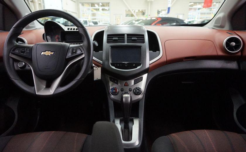 2015 Chevrolet Sonic LT (caméra de recul) #11