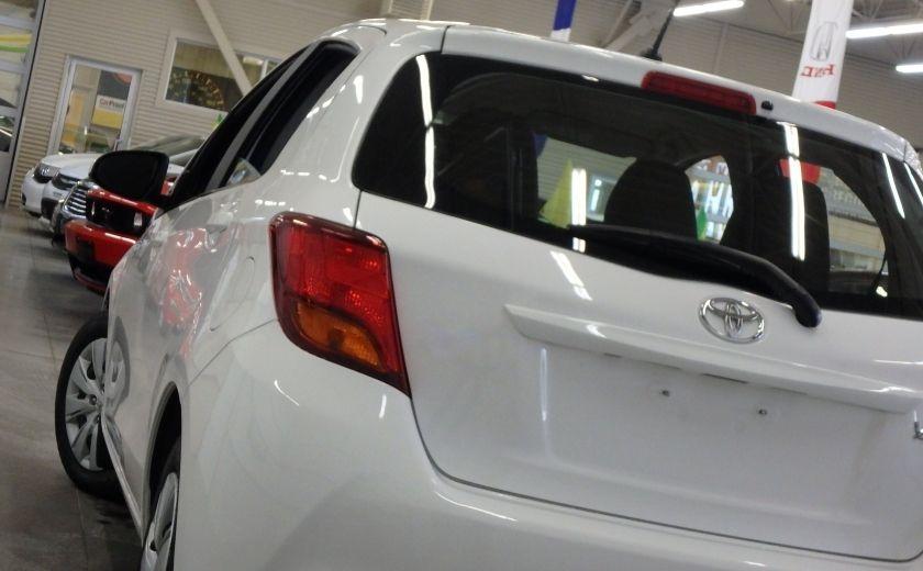 2015 Toyota Yaris LE #30