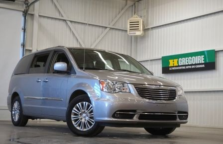 2015 Chrysler Town And Country Touring Stow'n Go  (caméra-cuir) in Saint-Hyacinthe