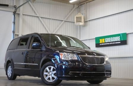 2011 Chrysler Town And Country Touring Stow'n Go (caméra-tv/dvd) à Sherbrooke