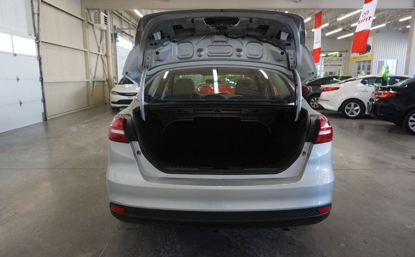 2015 Ford Focus S (caméra de recul) #21
