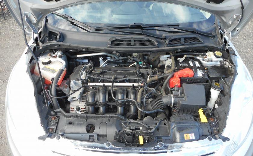 2012 Ford Fiesta SE #17