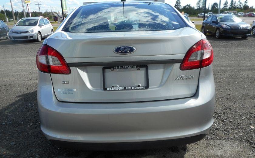 2012 Ford Fiesta SE #5