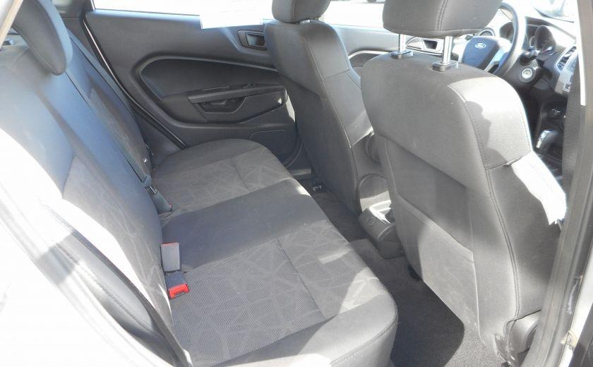 2012 Ford Fiesta SE #15