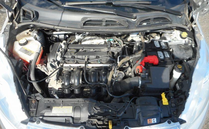 2012 Ford Fiesta SE #19