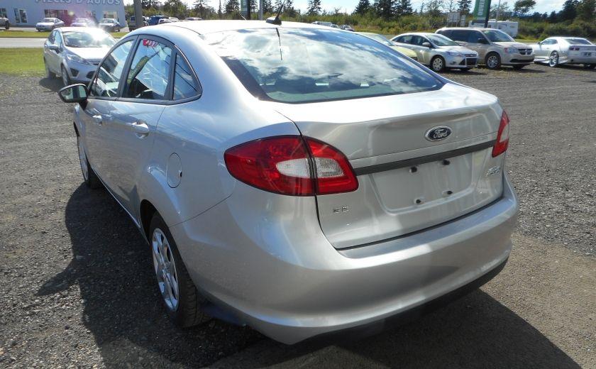 2012 Ford Fiesta SE #4