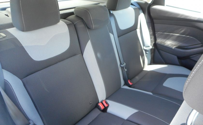 2012 Ford Focus SE #16