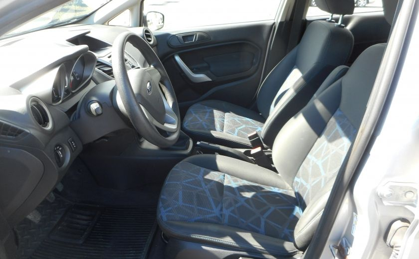 2012 Ford Fiesta SE #8