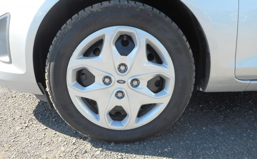 2012 Ford Fiesta SE #21