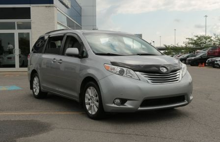 2011 Toyota Sienna  à New Richmond