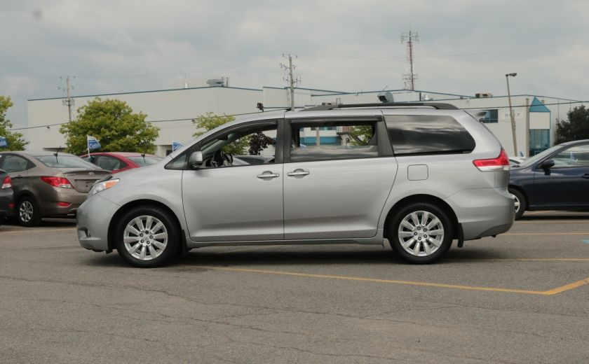 2011 Toyota Sienna  #3
