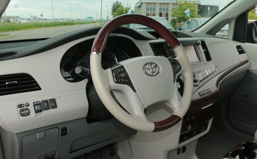2011 Toyota Sienna  #8
