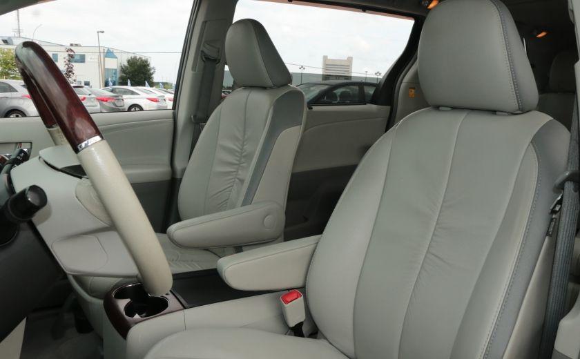 2011 Toyota Sienna  #9