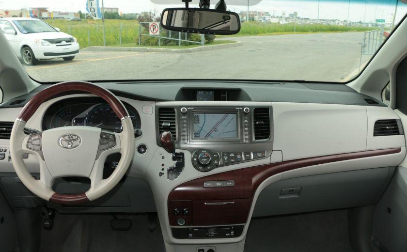 2011 Toyota Sienna  #13