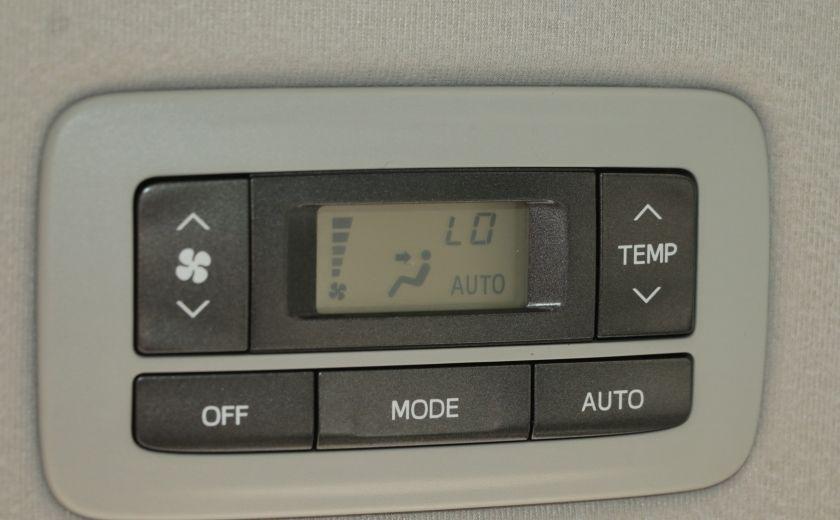 2011 Toyota Sienna  #25