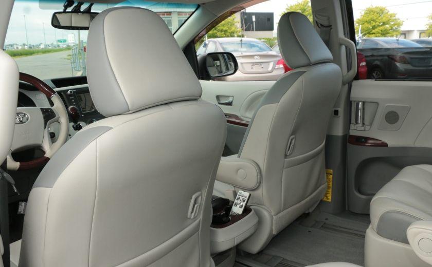 2011 Toyota Sienna  #28