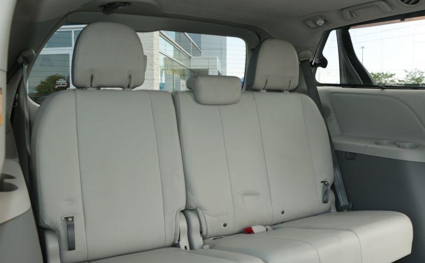2011 Toyota Sienna  #29