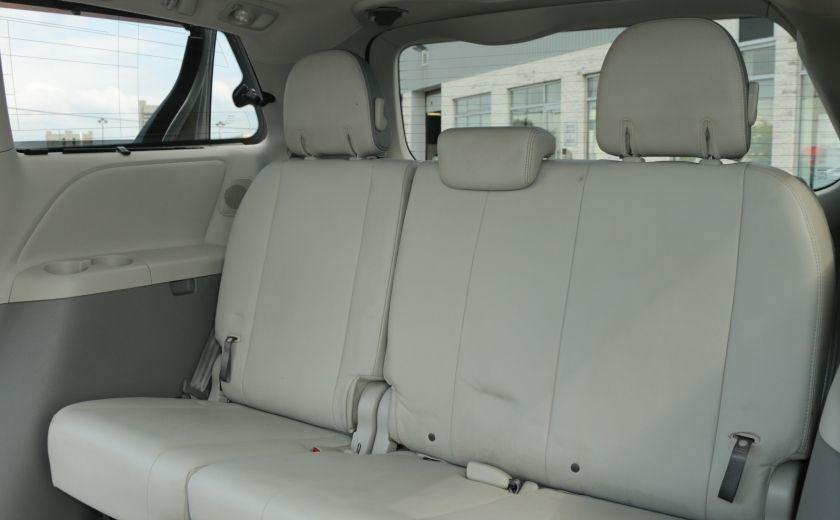 2011 Toyota Sienna  #30