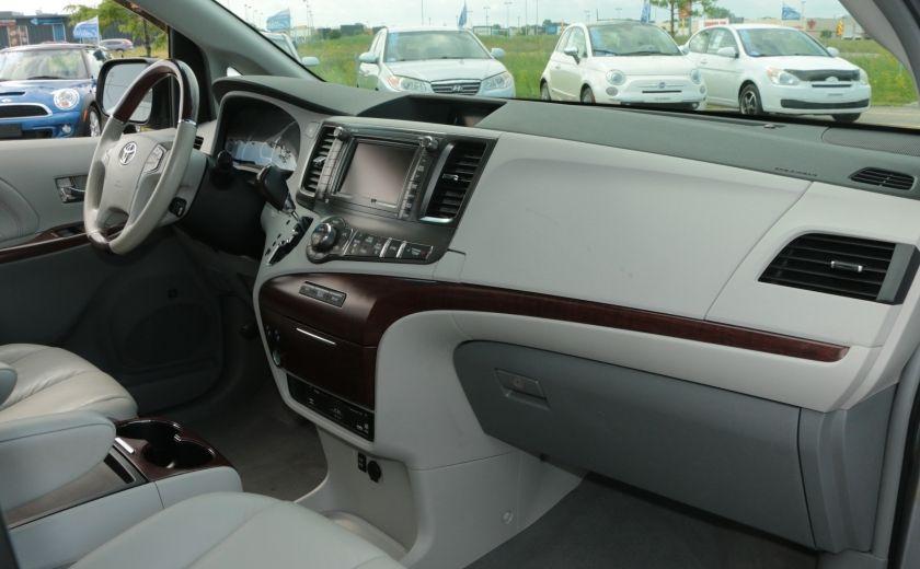 2011 Toyota Sienna  #31