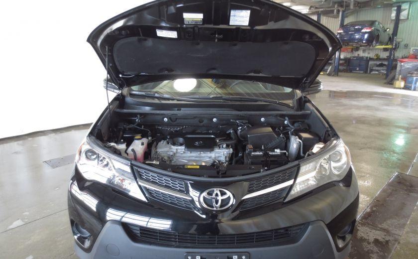 2015 Toyota Rav 4 LE AWD #26