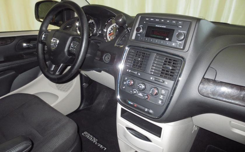 2016 Dodge GR Caravan SXT #26