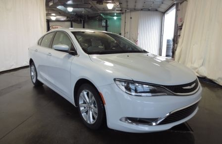 2015 Chrysler 200 Limited in Montréal