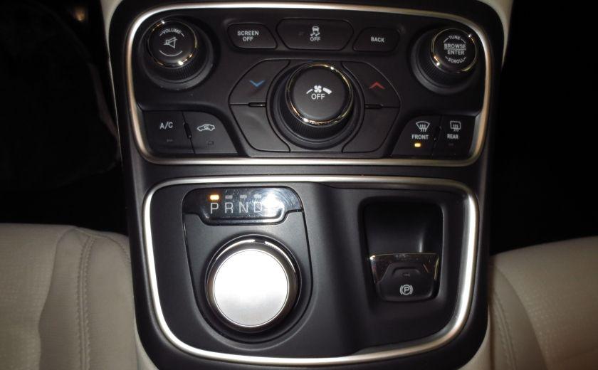 2015 Chrysler 200 Limited #30