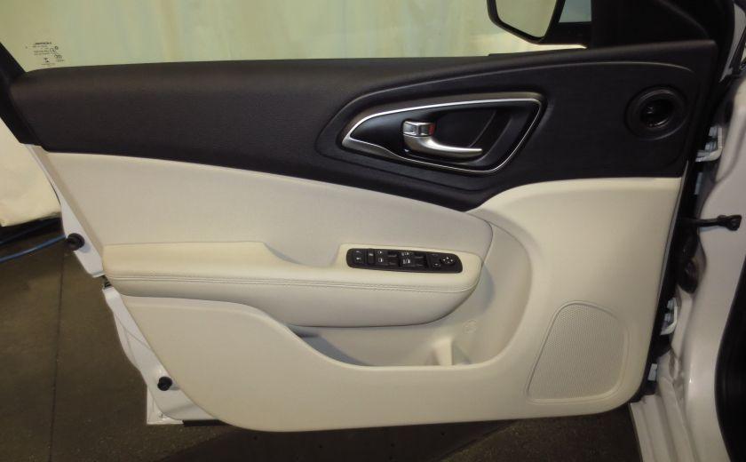 2015 Chrysler 200 Limited #10