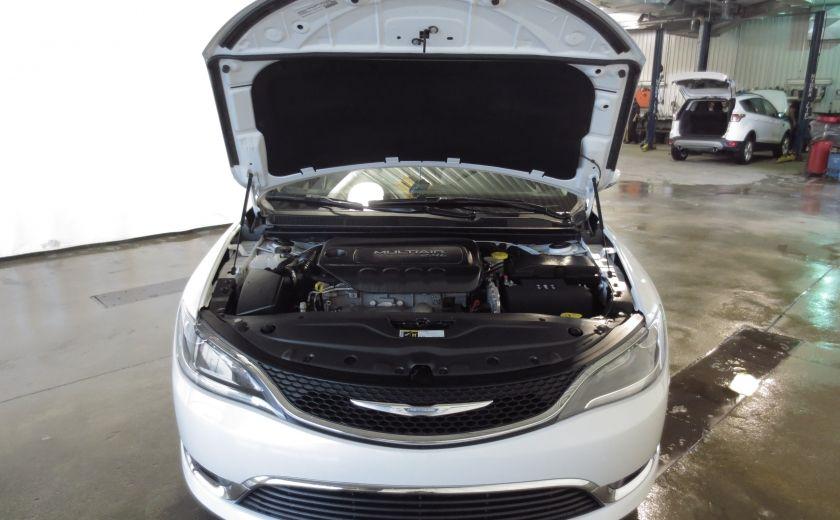 2015 Chrysler 200 Limited #24