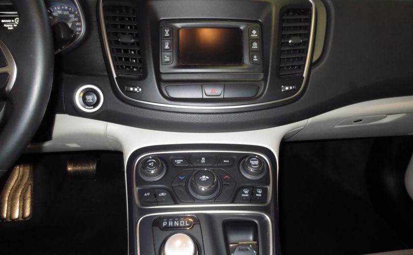 2015 Chrysler 200 Limited #15