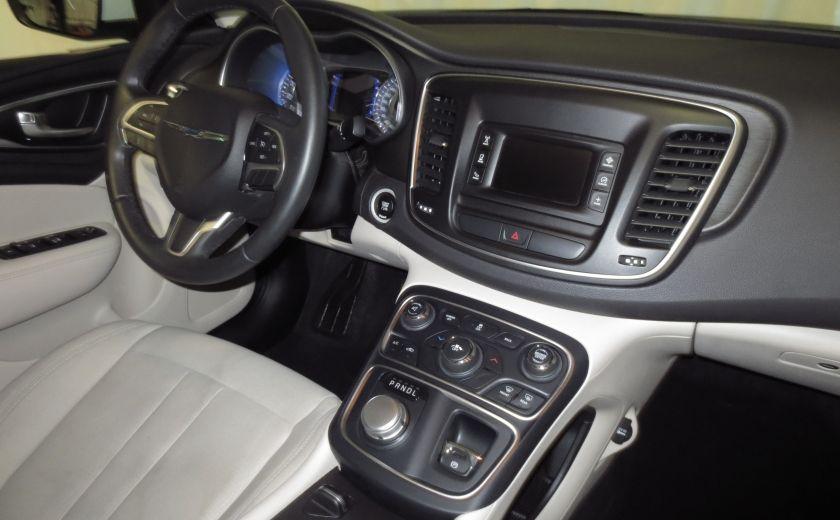 2015 Chrysler 200 Limited #22