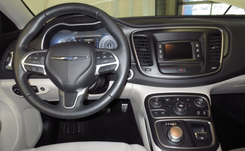 2015 Chrysler 200 Limited #13
