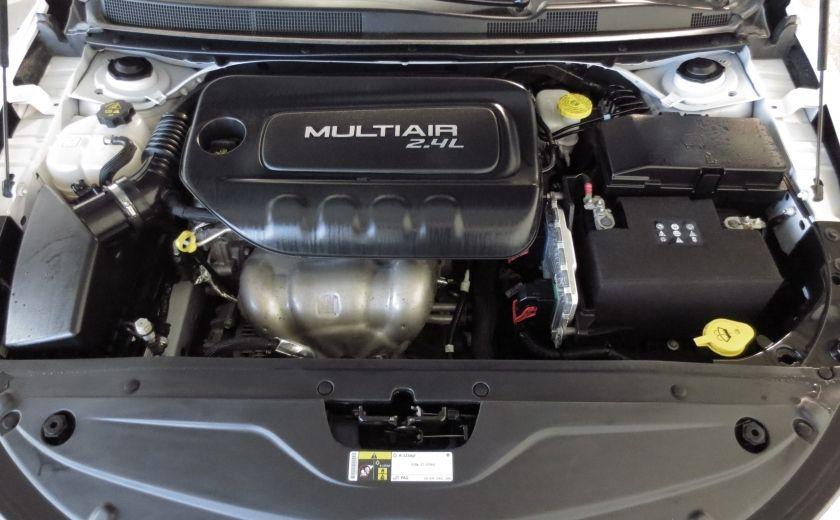 2015 Chrysler 200 Limited #25