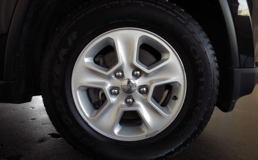 2015 Jeep Grand Cherokee Laredo 4WD BLUETOOTH SIRIUS #25