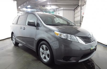 2016 Toyota Sienna LE V6 3.5L 8PASSAGERS CAMÉRA  BLUETOOTH MAGS à New Richmond