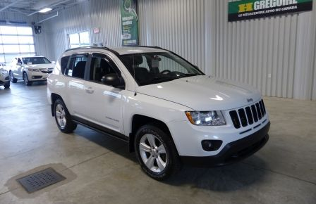 2012 Jeep Compass North AWD A/C Gr-Électrique in Blainville