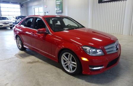 2013 Mercedes Benz C300 4MATIC (Cuir-Toit-Mags) in Estrie