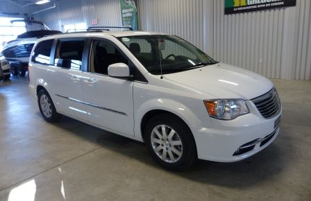 2015 Chrysler Town And Country Touring A/C Gr-Électrique (DVD-Camera-Bluetooth) à Rimouski