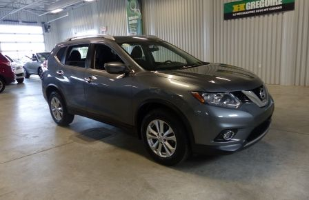 2016 Nissan Rogue SV AWD TOIT PANO  A/C Gr-Électrique Bluetooth Cam à Saguenay